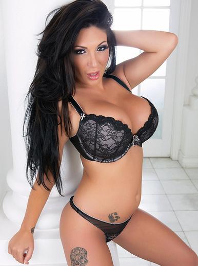 Emily B - XXX Pornstar