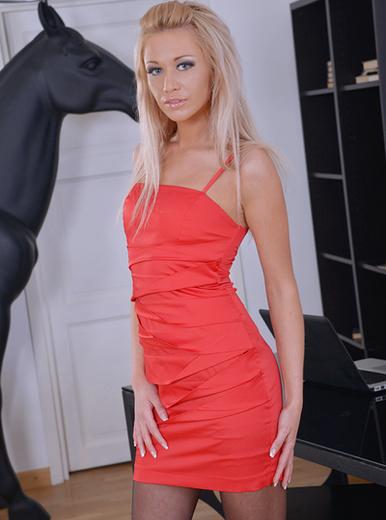 Lindsey Olsen - XXX Pornstar