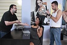 Angela Aspen in Customer Satisfaction - Picture 1