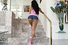 Kya Tropic in Smack That Ass! - Picture 1