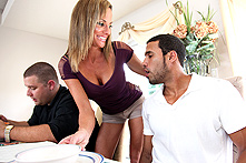 Montana Skye in Newcomer Punts Hot Cunt - Picture 1