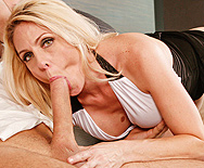 Peeping Mom - Angela Attison - 2