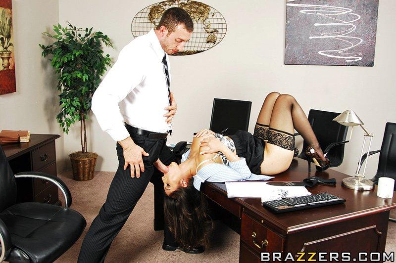секретарша в чулках эротика фото