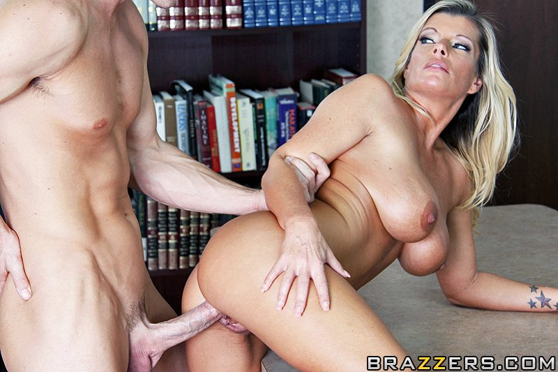 Brazzers - Big Tits At Work - Kristal Summers (1 Link)