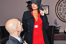Veronica Avluv in Mistress P.I. - Picture 1