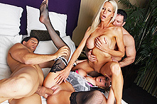 Brynn Tyler / Emma Starr  in Party of Four - Picture 3