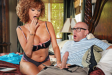 Joslyn James in A Big Big Favor For A Nice Nice Neighbor - Picture 1