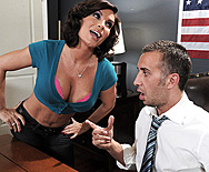 Promiscuous Pinko Shares Her Pink Private Property - Diamond Foxxx - 1