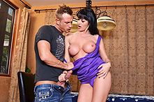 Eva Karera in Dirty Texter - Picture 1