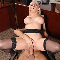 Swallowing her Boss