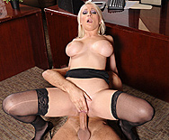 Swallowing her Boss - Lexi Swallow - 4
