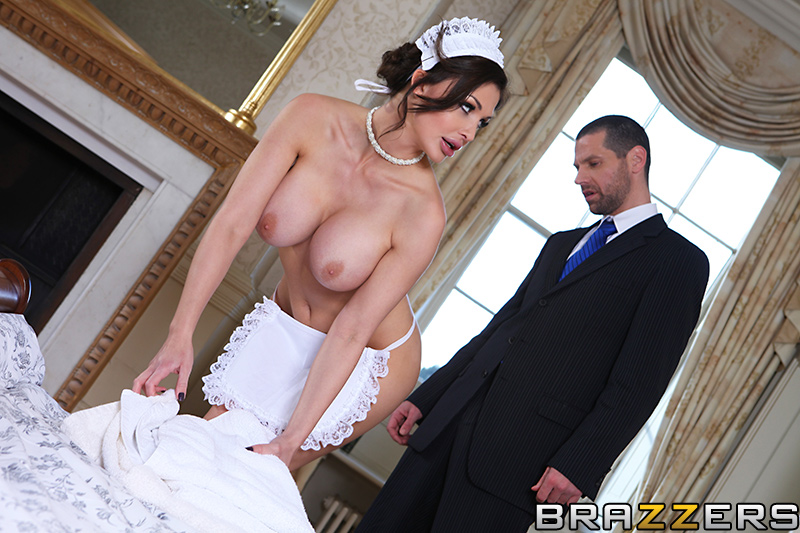 Give the Maid the Tip - HQ Pics Sample #2