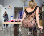 She is Maid of Ass - Vittoria Risi - 2