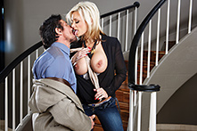 Staircase Sex - Picture 1