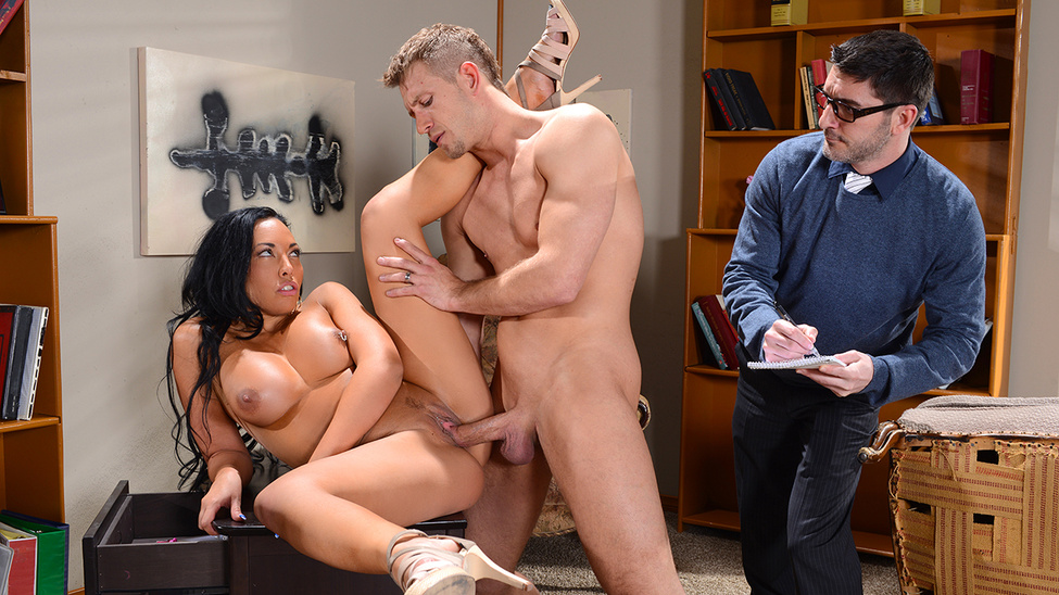 perviy-anal-doma-video