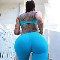 Her Thick, Thieving Ass