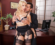 Working The Webcam - Sarah Vandella - 1