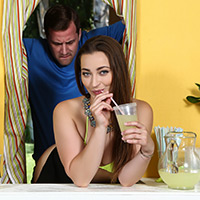 ZZ Lemonade: Dani Daniels