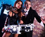 El Doctor, Cuarta Parte - Escape de Valhalla - Madison Ivy - 1